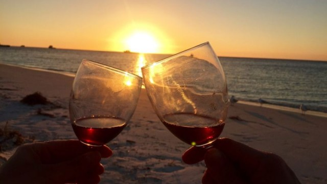 Порошенко поддержал упрощение оптовой торговли вином