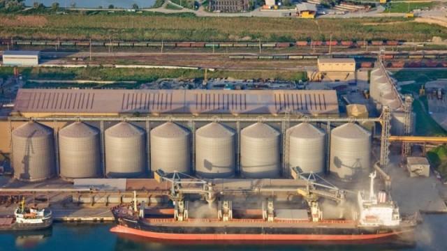 Украинские порты уменьшили отгрузки зерна