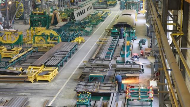 КВЗ увеличил выпуск грузовых вагонов