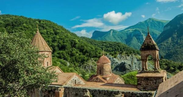 В Нагорном Карабахе возобновляется перемирие