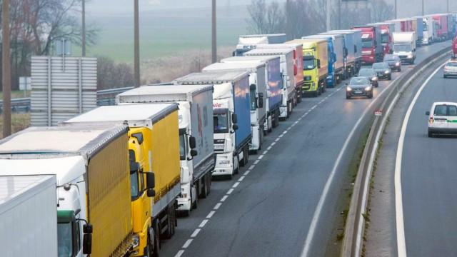 РФ ввела допограничения на украинский транзит