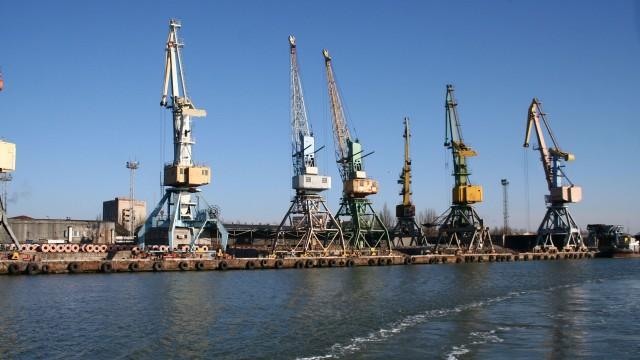Коллектив морских портов митингует против банкротства