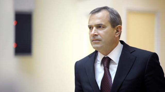 Силовики обыскивают элитные дома Клюева и Сивковича