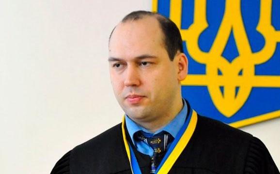 Отстранение судьи Юрия Луценко продлили на месяц