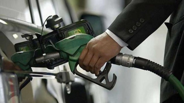 Минэкономики разъяснили ситуацию с топливом в сетях АЗС