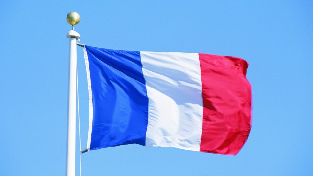 Во Франции открыли четверть продовольственных рынков
