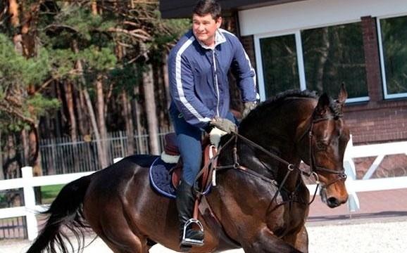 Онищенко объявили в розыск