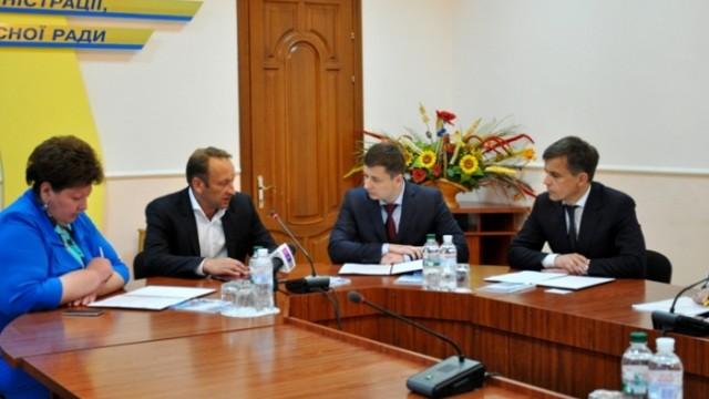 В Житомире подписали соглашение с янтарной биржей