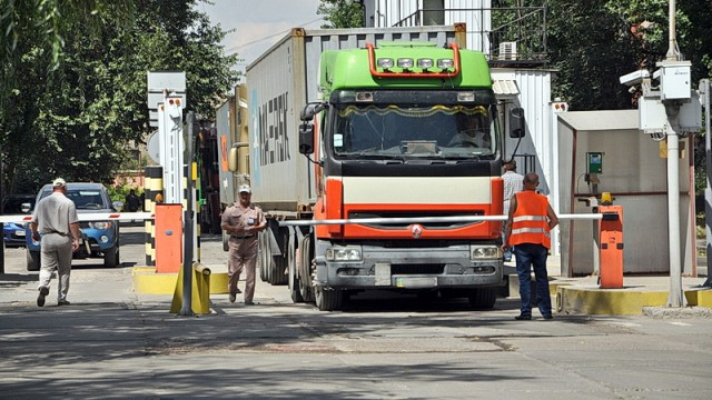 За нарушение габаритно-весовых норм перевозчиков оштрафовали на 2 млн грн