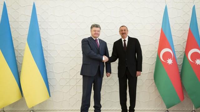 президент Украины Петр Порошенко и президент Азербайджана Ильхам Алиев