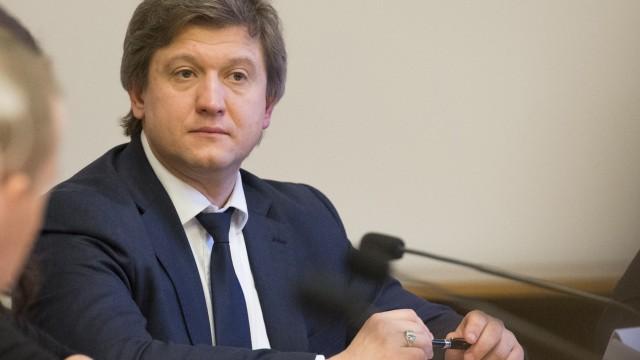 Данилюк заверяет, что «минималку» повысят без повышения налогов