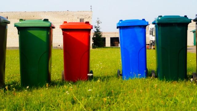 Хмельницкие коммунальщики купили контейнеров на полмиллиона гривен