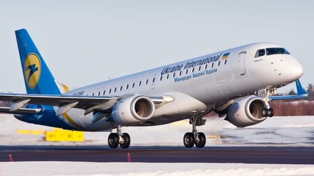 Украинский авиатрафик упал почти на 90%