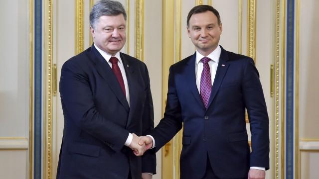 Эксперты подводят итоги визита в Украину польского президента