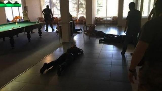 Под Святогорском силовики задержали 106 криминальных авторитетов