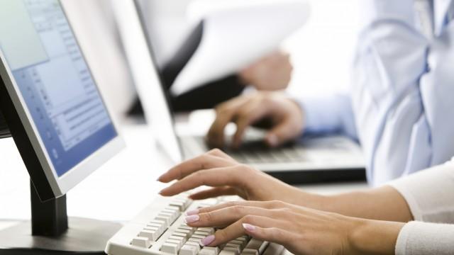 Правительство переходит на электронный документооборот