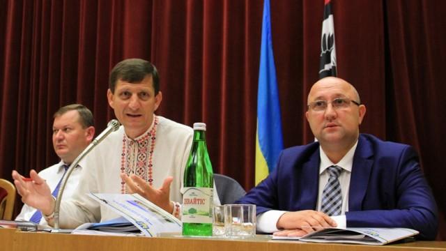 Ивано-Франковский облсовет внес изменения в бюджет территориальных общин