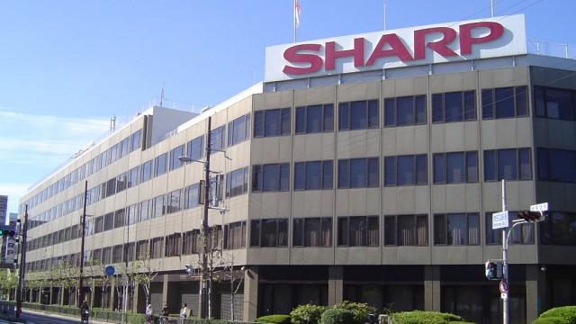 Sharp впервые за два года вышла на квартальную прибыль