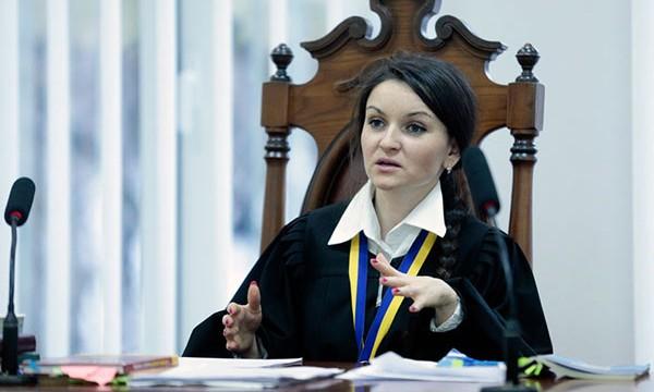 Суд отменил увольнение скандальной судьи Царевич