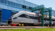 Крюковский вагонзавод начал ремонт скоростного «Тарпана»