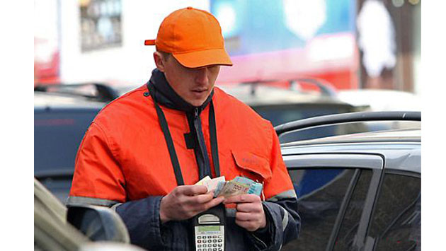 В Киеве выявили 14 тыс. нелегальных парковочных мест