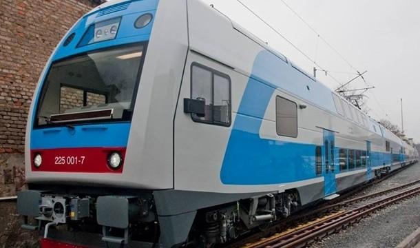 УЗ планирует самостоятельно отремонтировать двухэтажные поезда Skoda