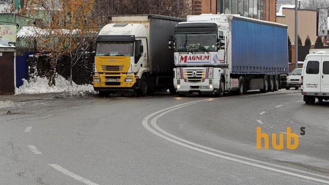 На границе с Польшей образовалась пробка из фур