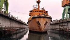 Одесские корабелы начали ремонт океанского буксира