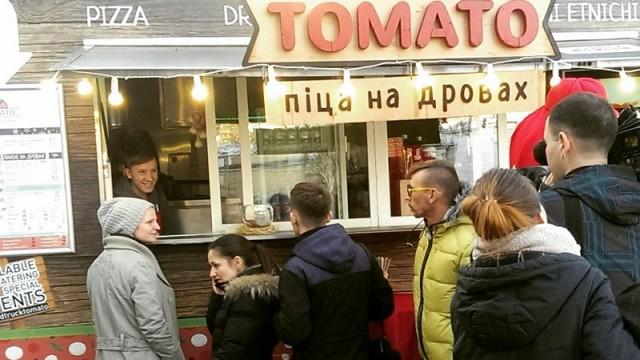 стартап, уличная еда, томато