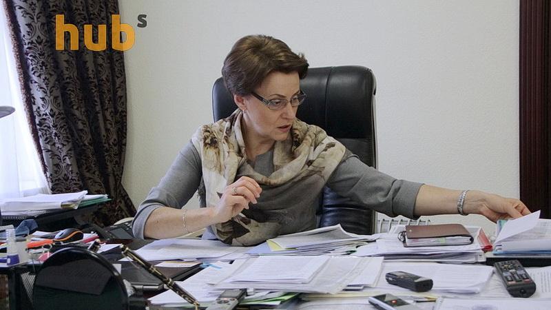yuzhanina-nina-glava-komiteta-vr-po-nalogam-i-tamozhne_07