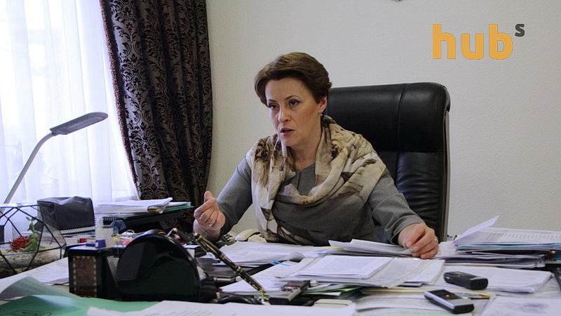 yuzhanina-nina-glava-komiteta-vr-po-nalogam-i-tamozhne_21
