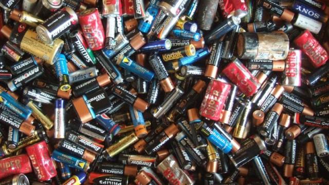 Импортеры намерены запустить переработку батареек в 2017 году