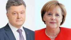 Порошенко обсудил с Меркель минские договоренности
