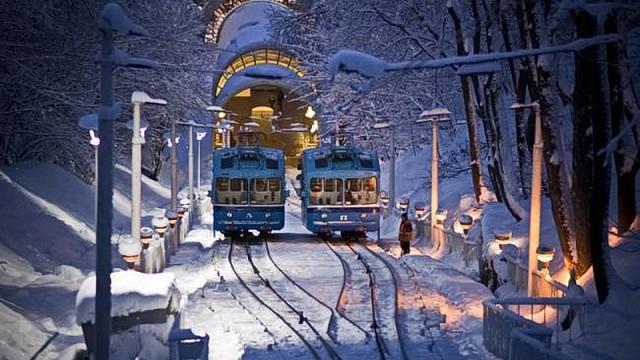 Киевский фуникулер будет работать всю новогоднюю ночь