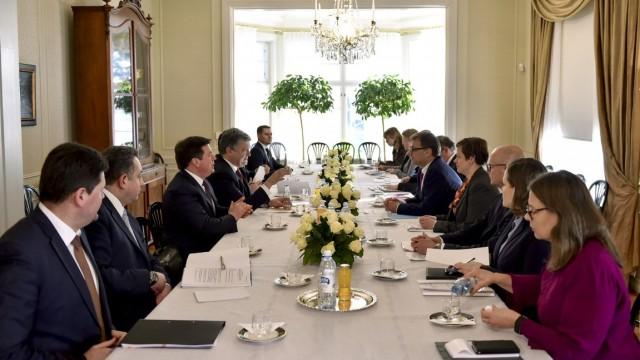 Порошенко предложил финнам поучаствовать в украинской приватизации