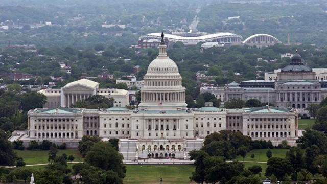 Белый дом опровергает информацию о том, что просил приостановить полеты между США и КНР