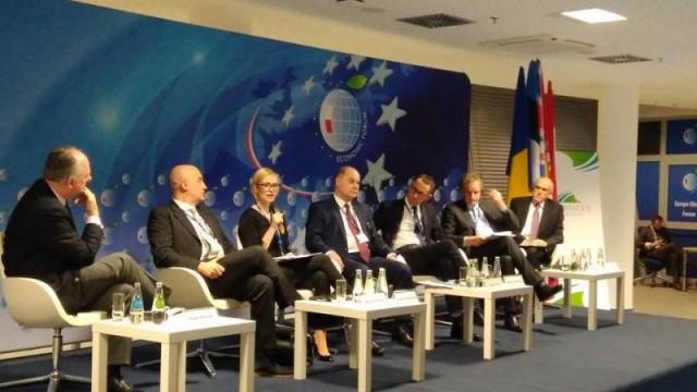 Форум Украина-Польша: европейцы наивно верят в не военные способы защиты от России