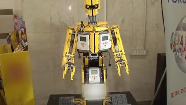 В Киеве прошел батл по робототехнике (ВИДЕО)