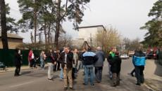 В Ирпене на месте скандальной стройки произошли столкновения, есть пострадавшие (ФОТО)