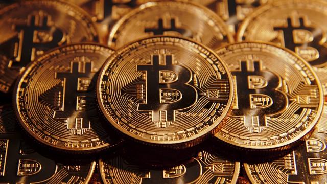 Bitcoin за последние сутки превысил отметку в $12 тыс