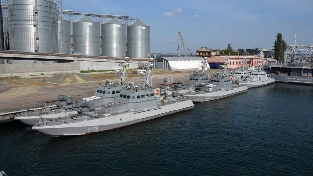 Новые бронекатера с завода Порошенко зашли в Одессу
