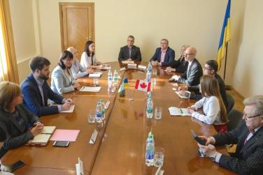 Украина усиливает сотрудничество с Канадой в аграрной сфере