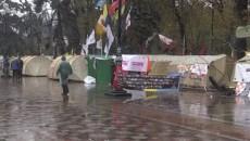 Митингующие у Рады расширили свои требования