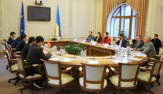 Китай поможет с производством ядерного топлива в Украине