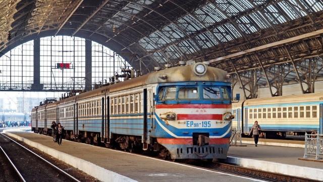 Укрзализныця намерена выйти на прибыль в 100 млн грн