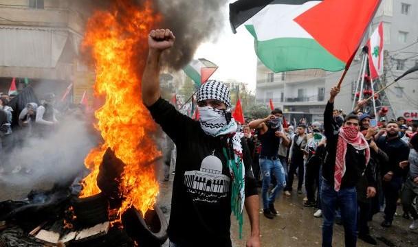 В Бейруте спалили
