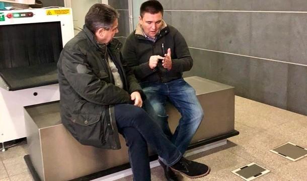 Климкин и Габриэль не поехали на Донбасс