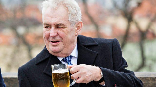 Земан занял первое место на выборах президента Чехии