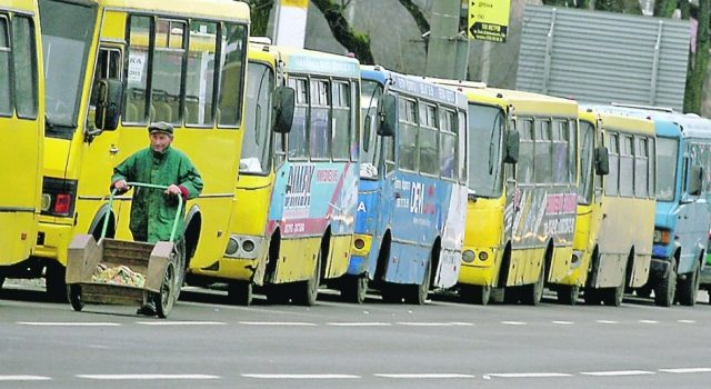 В Киеве объявили конкурс перевозчиков на 15 маршрутах