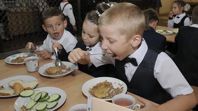 В Украине ужесточат контроль за безопасностью питания в учебных заведениях